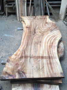 楠の木一枚板KS027