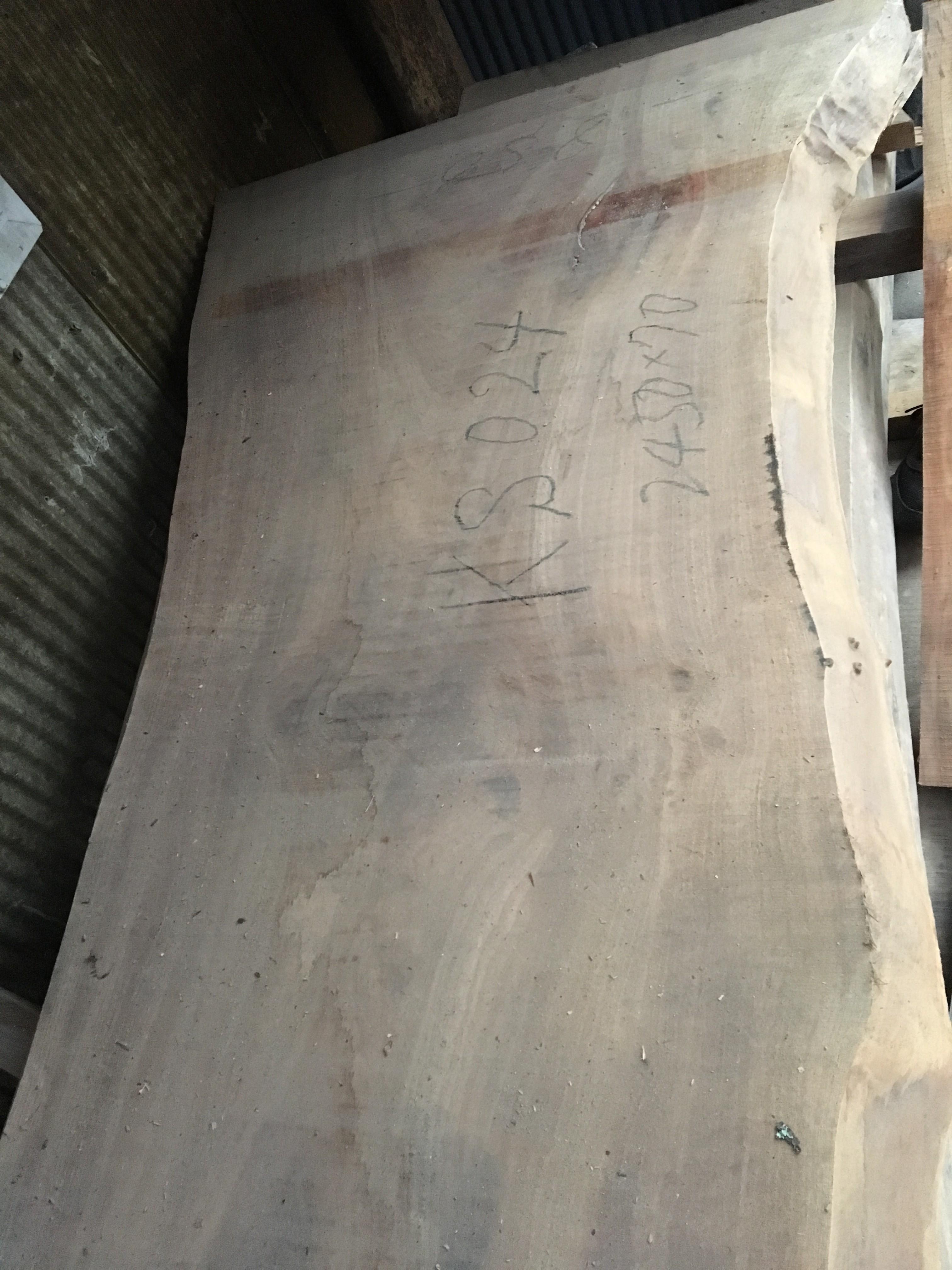 楠の木一枚板KS24
