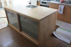 栗木製アイランドキッチン
