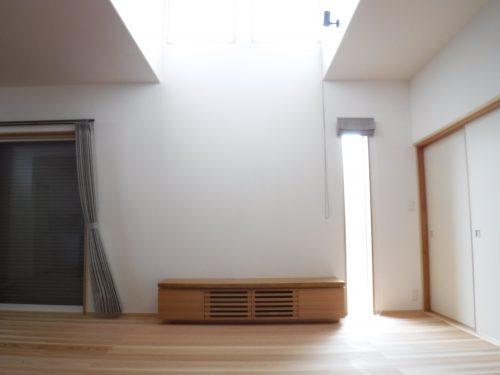 タモ一枚板TVボード