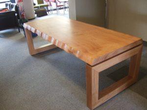 店舗用テーブル