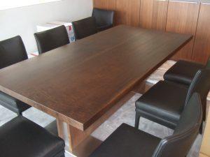 ウォールナットダイニングテーブル
