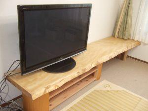 栃一枚板テレビボード