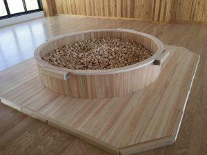 木の玉プール